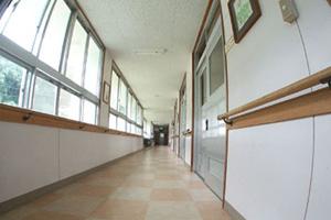 つくしの里の廊下